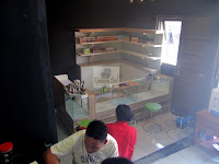 Produsen Lemari Etalase Display Kaca Interior Toko di Semarang Jawa Tengah
