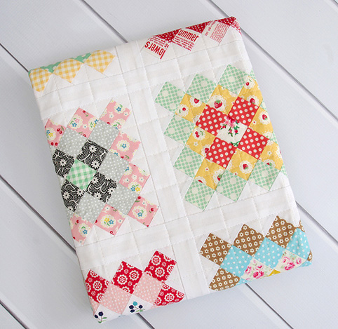 Granny Square quilt - linen border and rounded corners