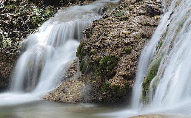 Air Terjun Saluopa di Kabupaten Poso Sulawesi Tengah