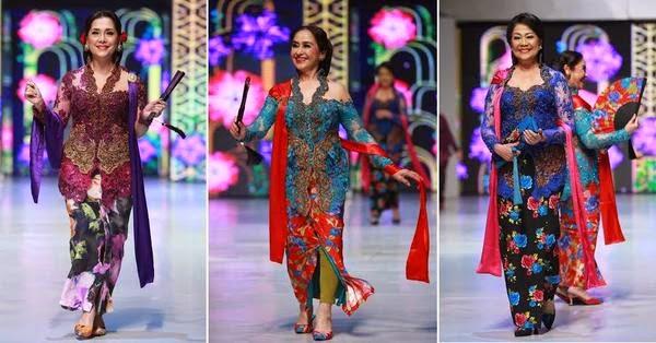 Foto Kebaya Batik Modern Anne Avantie 2015 Model Tradisional Selendang
