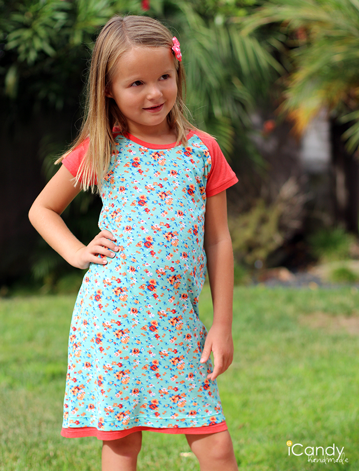 http://icandy-handmade.com/2013/09/everyday-raglan-dress.html