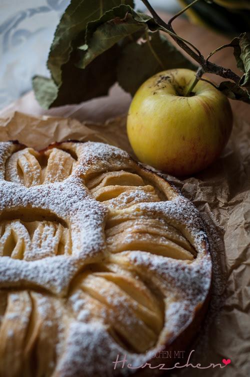 Feiner Apfelkuchen aus Dinkelmehl