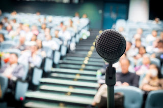 Pengertian Pidato dan Teknik Pidato yang Baik Menurut Ahli_
