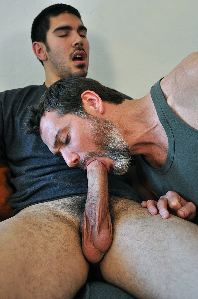 Hot naked guys giving blow jobs — 9