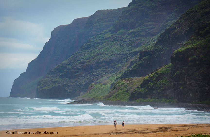 Walking To The Right At Polihale Gets You Base Of 2 000 Foot High Ridge One A Dozen Ridges That Radiate Out From Rugged