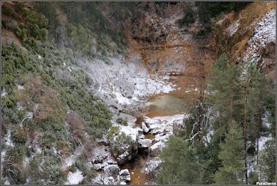 Nacimiento de verano (en invierno) del Río Escabas (Rincón Del Buitre)