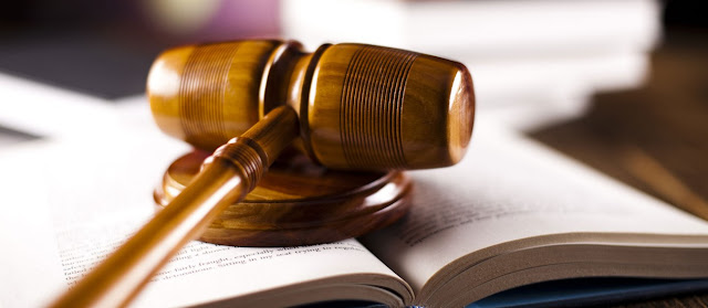 Ordenes y prohibiciones