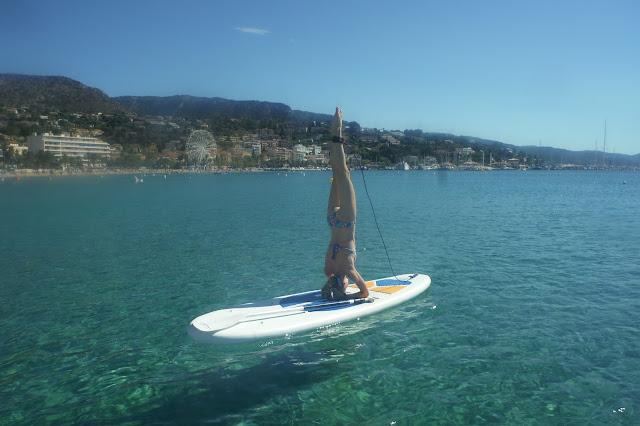 Côte d'Azur: Le Lavandou puddle yoga
