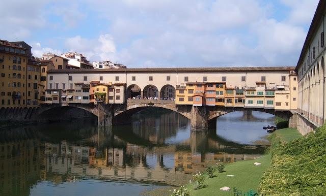 Sobre a ponte Vecchio em Florença