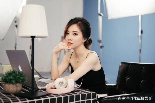 Phùng Đề Mạc là ai? Tiểu sử hot girl, streamer nổi tiếng hàng đầu Trung Quốc