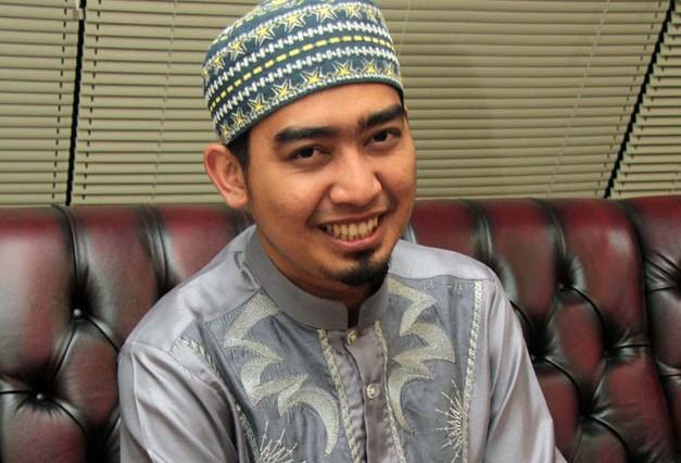 Ustadz Solmed Sempat Di Tahan Di Singapura, Ini Alasannya!!!
