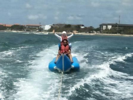 Banana-boat-di-tanjung-benoa-bali
