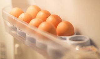 Μη βάζετε ποτέ τα αυγά στην αυγοθήκη του ψυγείου