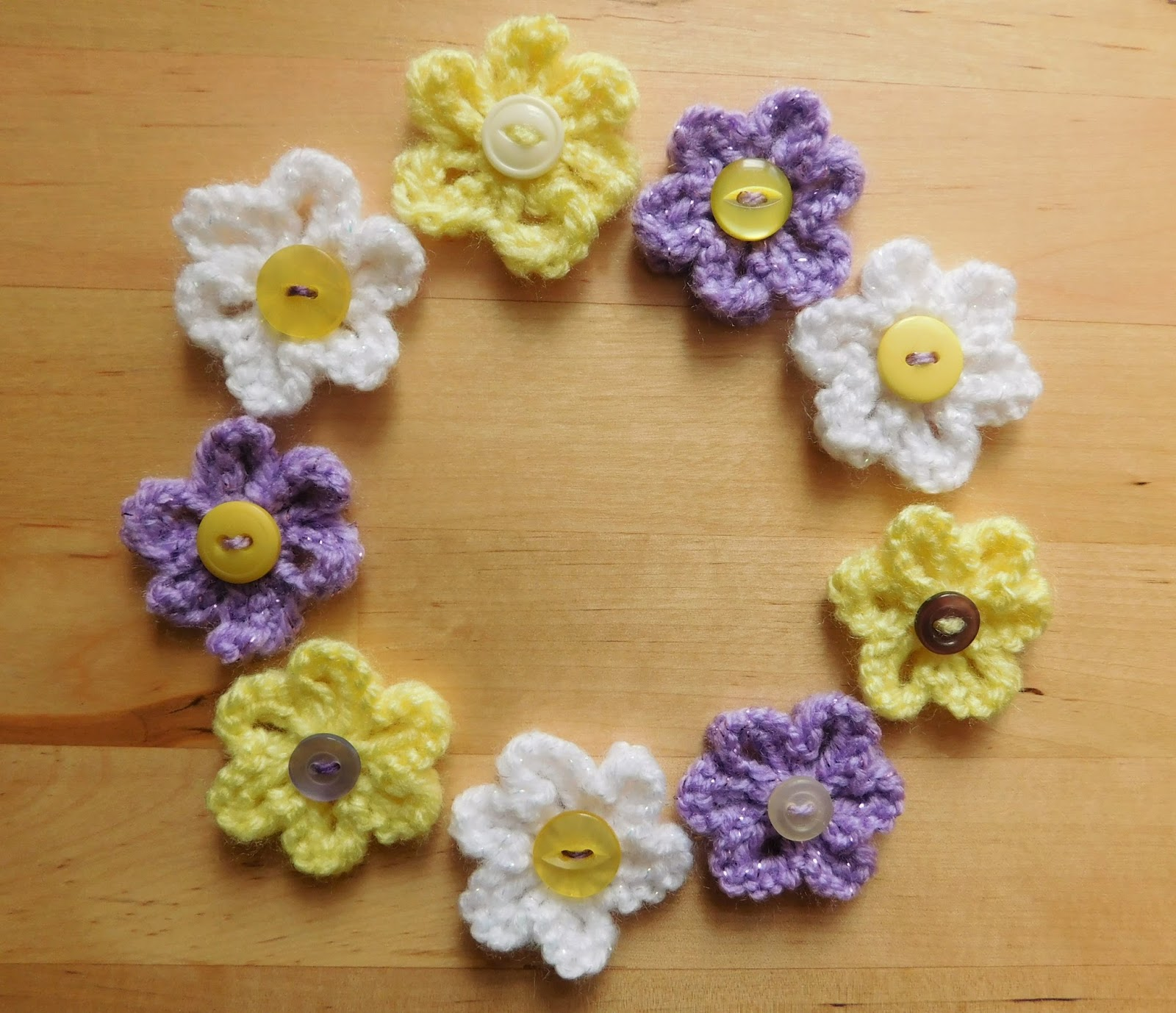 Mariannas lazy daisy days knitted summer flowers mariannas small knitted summer flowers izmirmasajfo