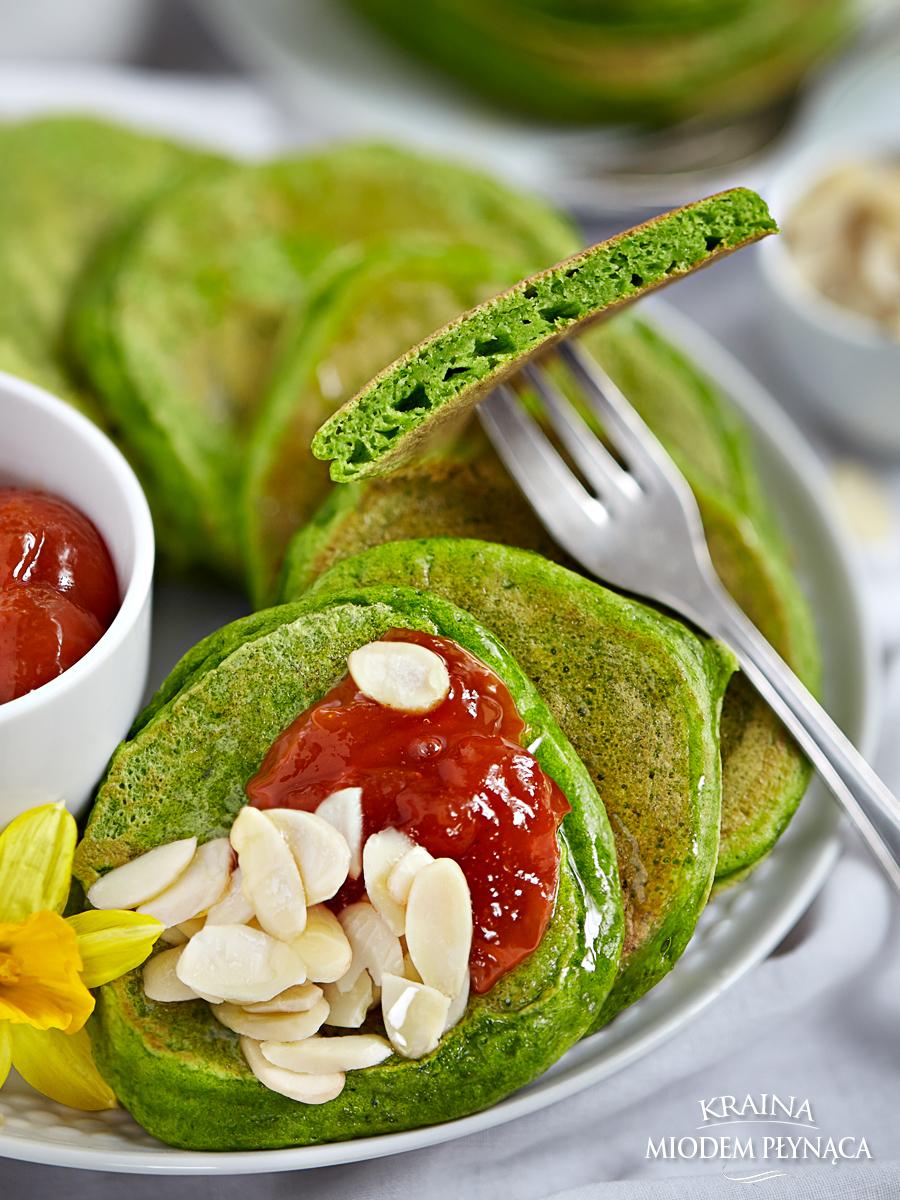 placki na mleku, pancakes na mleku, szpinakowe placki, szpinakowe pancakes, placki ze szpinakiem, pancakes ze szpinakiem, zielone placki, zielone panackes, zielony deser, kraina miodem płynąca
