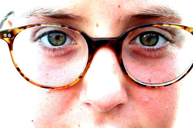 [Beauty Tips] आँखो से चस्मा उतारने के घरेलु इलाज और उपाय