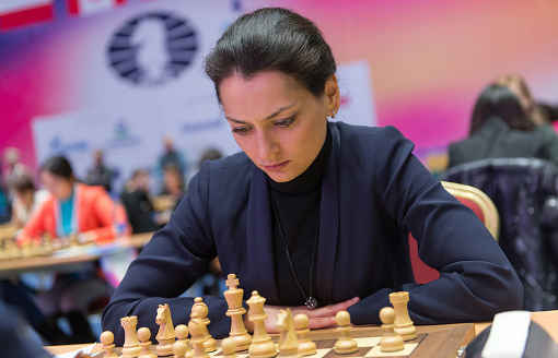 L'équipe féminine Russe remporte la victoire au championnat du monde d'échecs par équipes après qu'Alexandra Kosteniuk ait annulé face à l'Ukrainienne Anna Ushenina dans la dernière ronde - Photo © Agence Tass