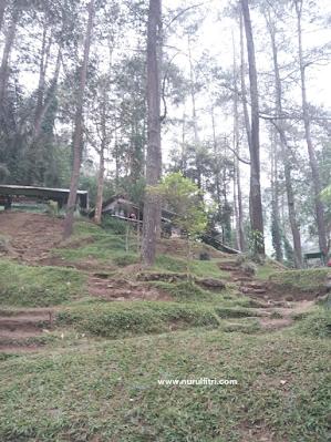 Liburan ke Wisata Air Terjun Ciomas Maribaya - Bandung