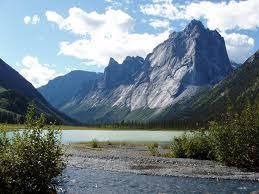 Lembah+Nahanni Misteri Misteri Alam yang Sulit Diterima Nalar dan Logika Manusia