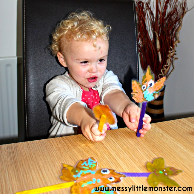 Leaf puppet craft for toddlers and preschoolers using autumn/ fall leaves. Inspired by the book 'Leaf Man' by Lois Ehlert.