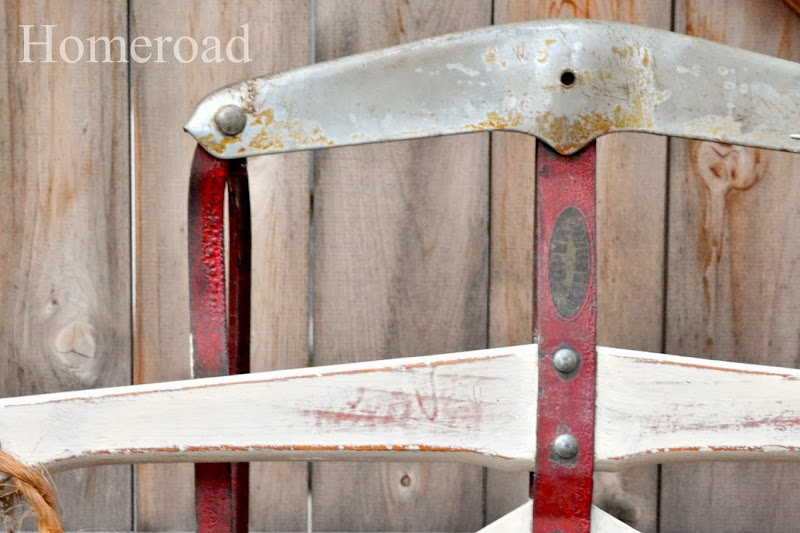 How to Decorate a Vintage Sled
