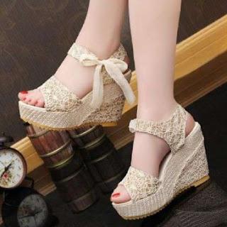 12 Model Sepatu Dan Sandal Pesta Untuk Wanita Yang Mau Gaya