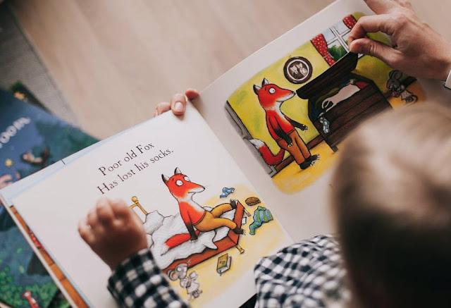 pequenas historias em ingles iniciantes ambiente de leitura carlos romero
