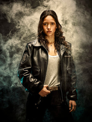 Emerald City Series Adria Arjona Promo Picture (17)