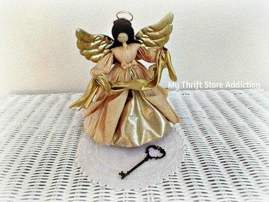 Friday's Find: Collectible Corn Husk Dolls mythriftstoreaddiction.blogspot.com Vintage Nan's Angel