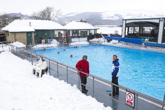 The world 39 s best mountain swimming pools - Hotels in derbyshire with swimming pool ...