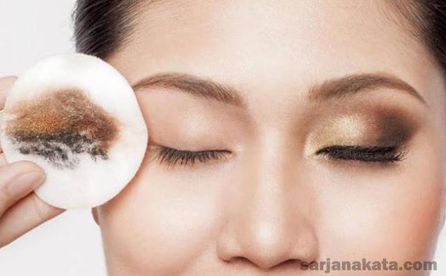 Makeup Remover dan Cleanser atau Pembersih