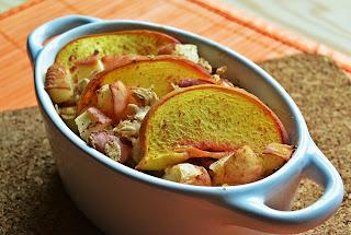 Pieczona owsianka z brzoskwiniami