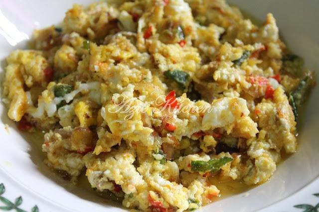 Sambal Telur Pecah Bercili Pedas Yang Sedap