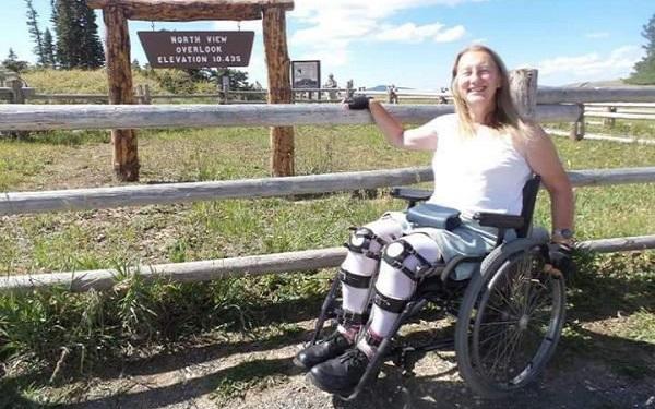 A mulher que é saudável e quer viver como uma deficiente (Imagem: Reprodução/Fatos Curiosos)