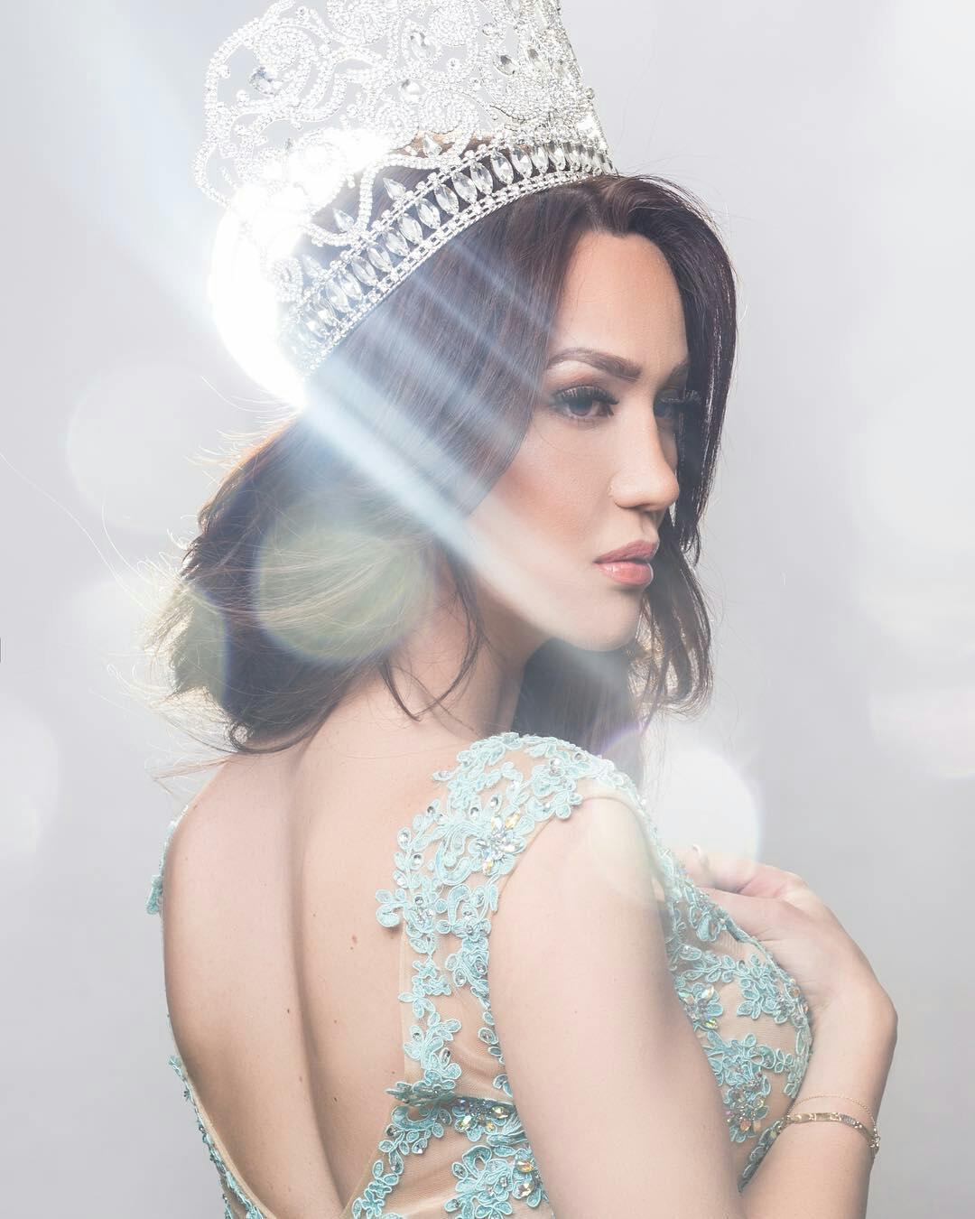 Beauty queen transsexual