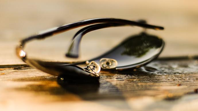 Wallpaper: Sunglasses