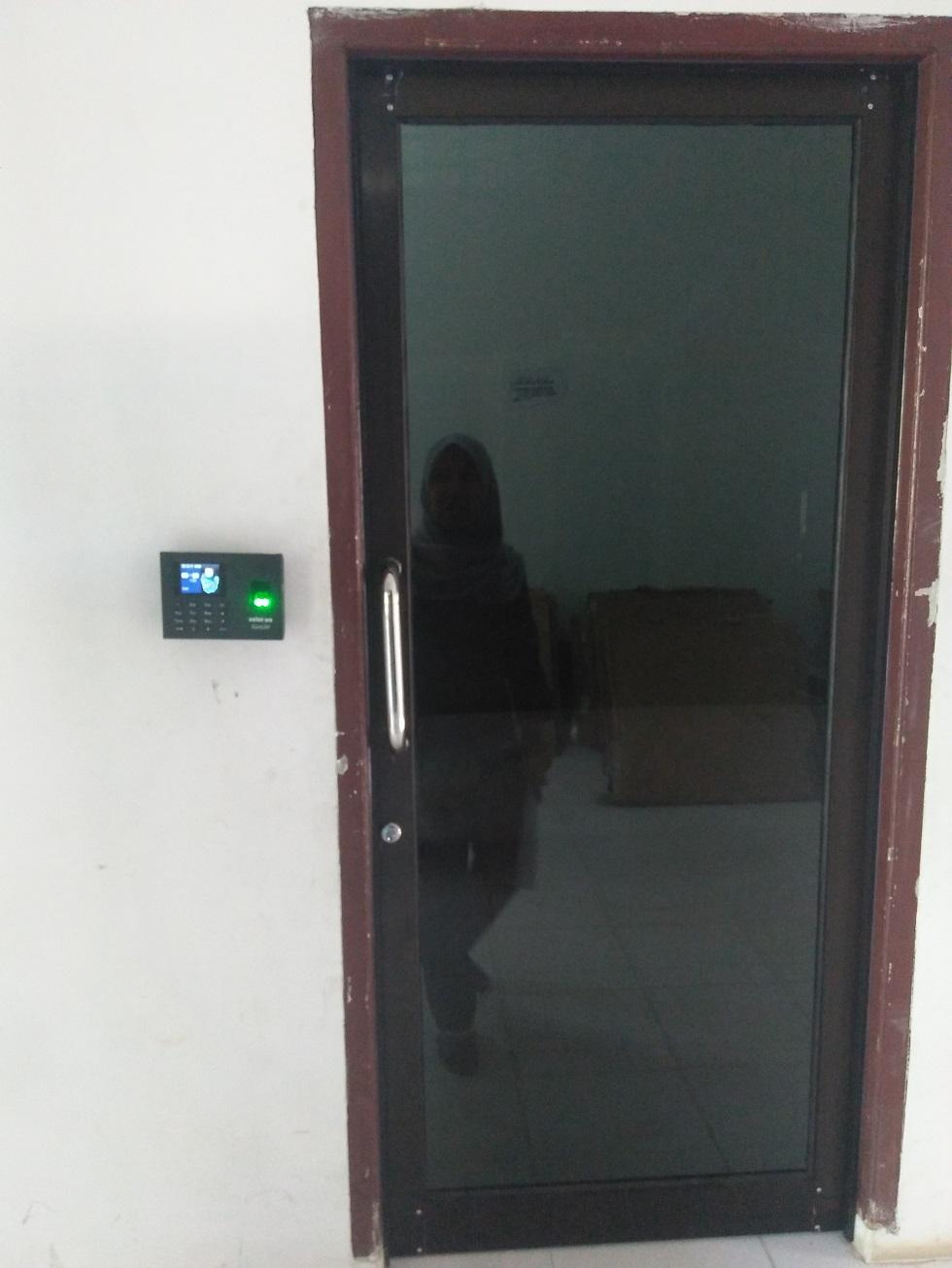 Pintu di Kantor Pemko Tanjungbalai menggunakan Fingerprint.