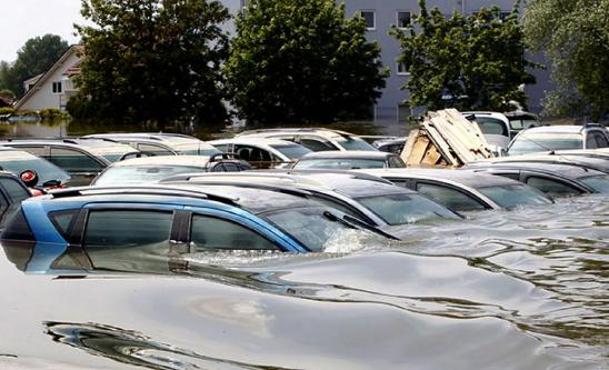 Penanganan Mobil Yang Terkena Banjir