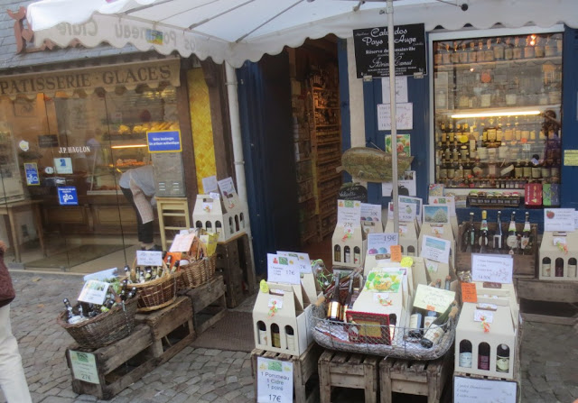 Honfleur - Läden mit lokalen Spezialitäten