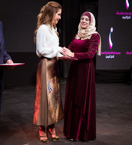 Queen Rania wore Fendi Botanical Jacquard Skirt, Jimmy Choo sandals, Dior Clutch bag