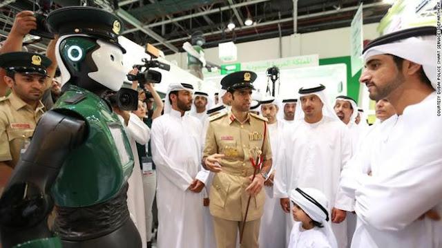 Polisi Robot ala Robocop Mulai Patroli di Dubai