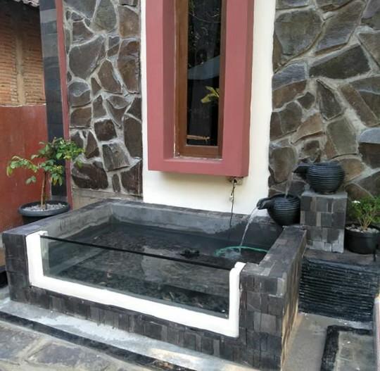 √Kolam minimalis dengan kaca dan air terjun - tukang kolam ...