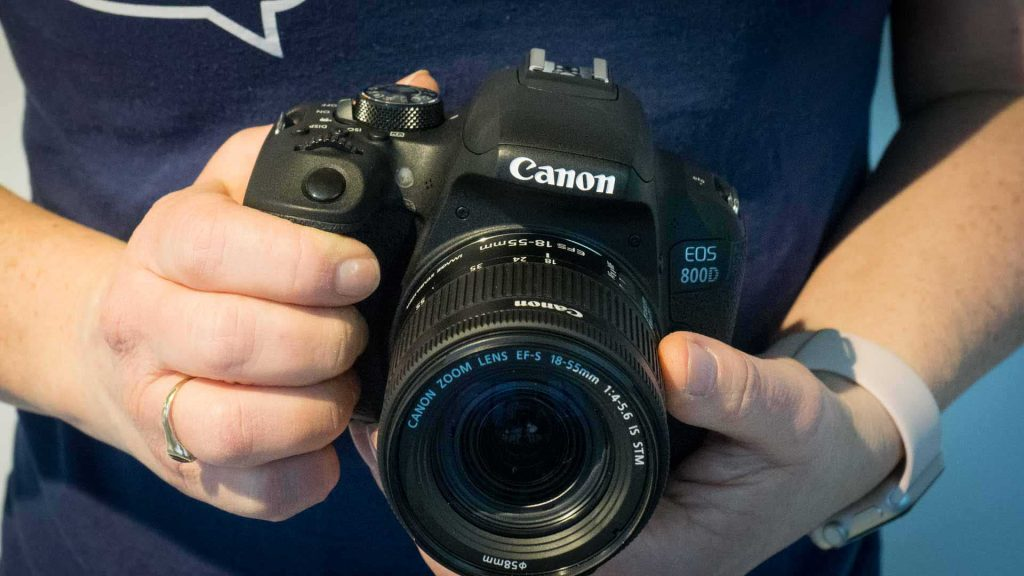 Canon EOS 800D / EOS Rebel T7i simple review for budding