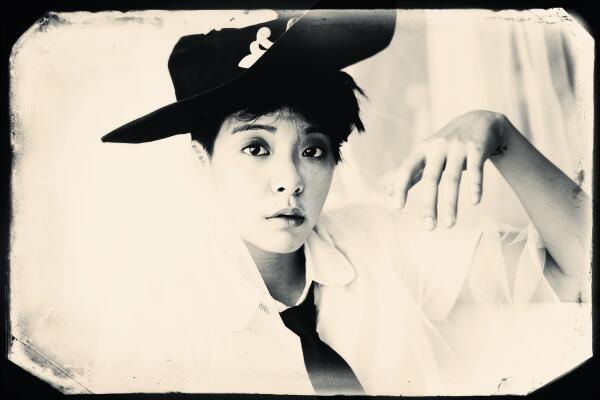 f(x) reveals 'Pink Tape' Individual Teaser - Daily K Pop News F(x) Amber Pink Tape