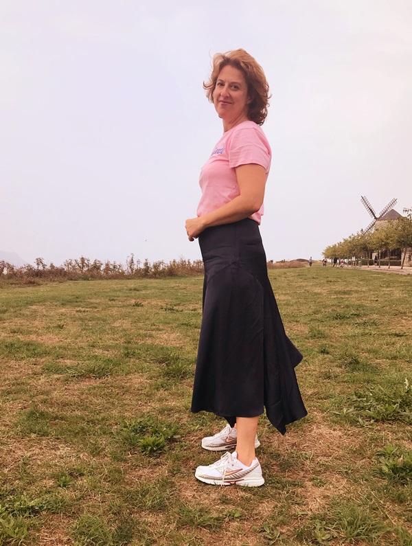 dc394adc73d22 Cómo combinar la falda midi para estilizar tu silueta