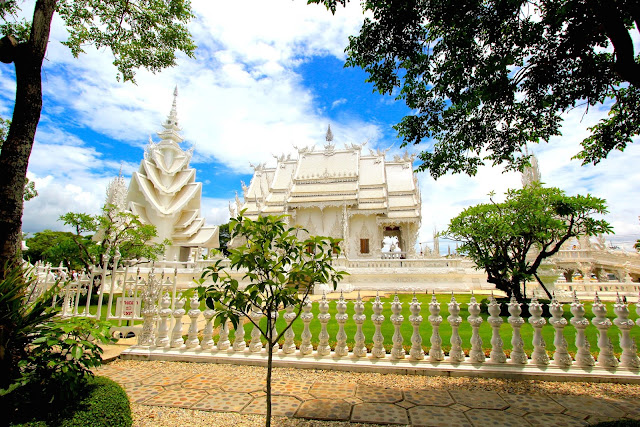 Contemporary Art White Temple Travel Blogger Photography Chiang Mai Thailand