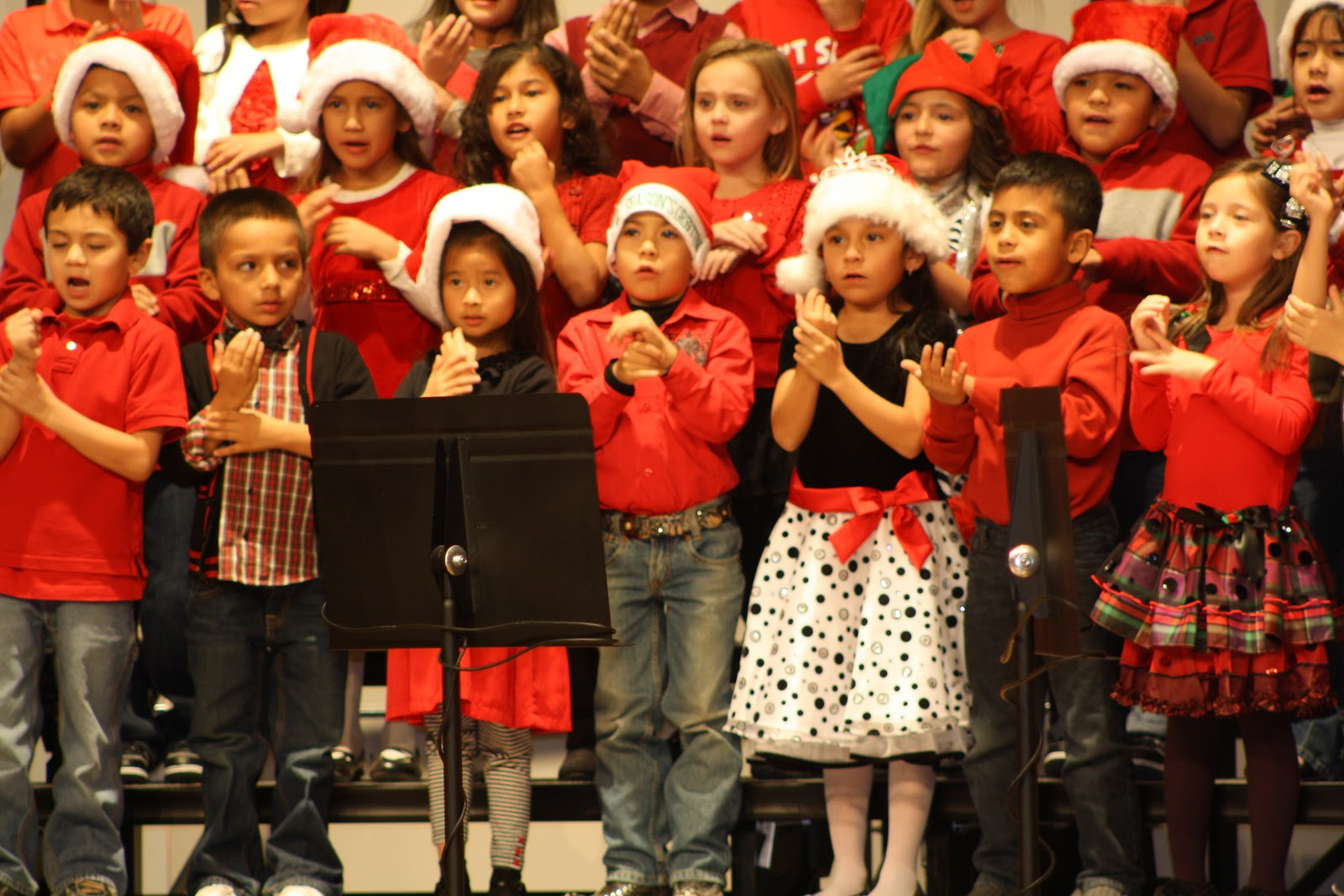 West Point Ms >> Eason's in West Texas: Rieley's First Grade Christmas Program/ School Christmas Party