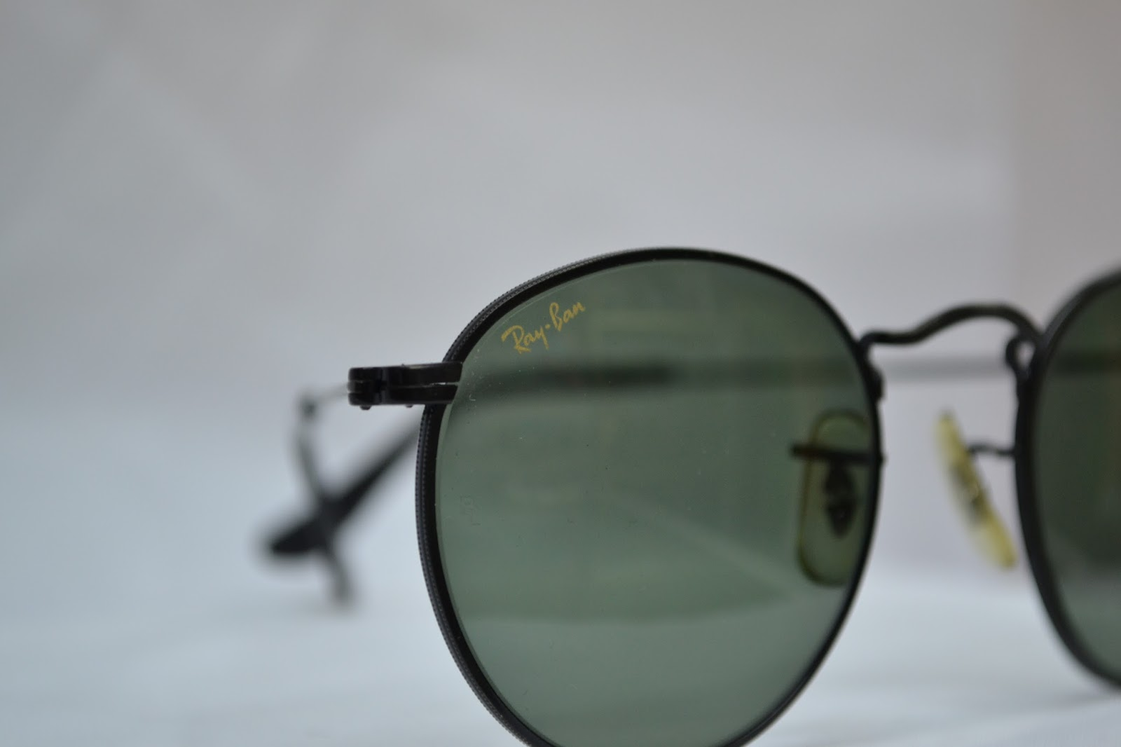 43d4117e074 Vintage sunglass  Vintage Ray Ban W1574! small round 47mm! NOS! USA!