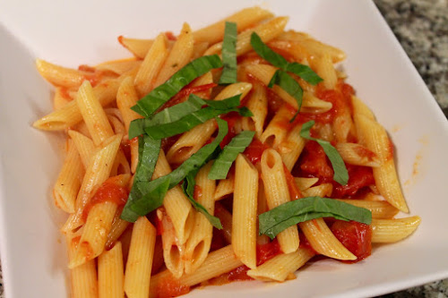 The Best Simple Tomato Sauce for Pasta