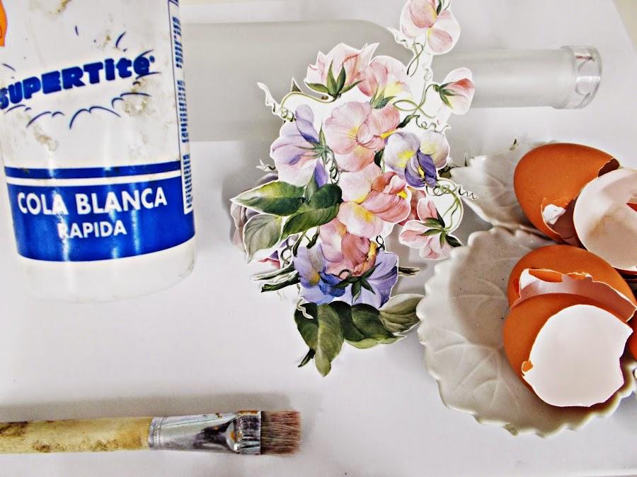 DIY-ideas decoración-reciclaje-diogeneras-botella-cristal-vidrio-cáscaras de huevo-decoupage-materiales
